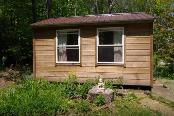 12-x-16-Amish-Built-Tiny-House-002