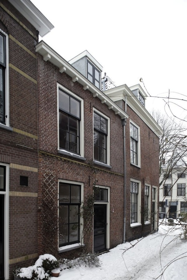 17TH-CENTURY-TOWNHOUSE-NETHERLANDS-01