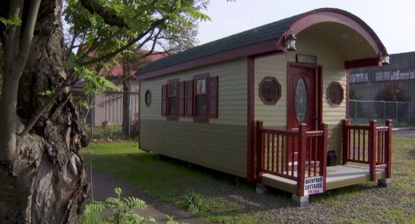 200 sq ft irish cottage tiny house 09   200 Sq. Ft. Irish Cottage Tiny House: Would You Live Here?