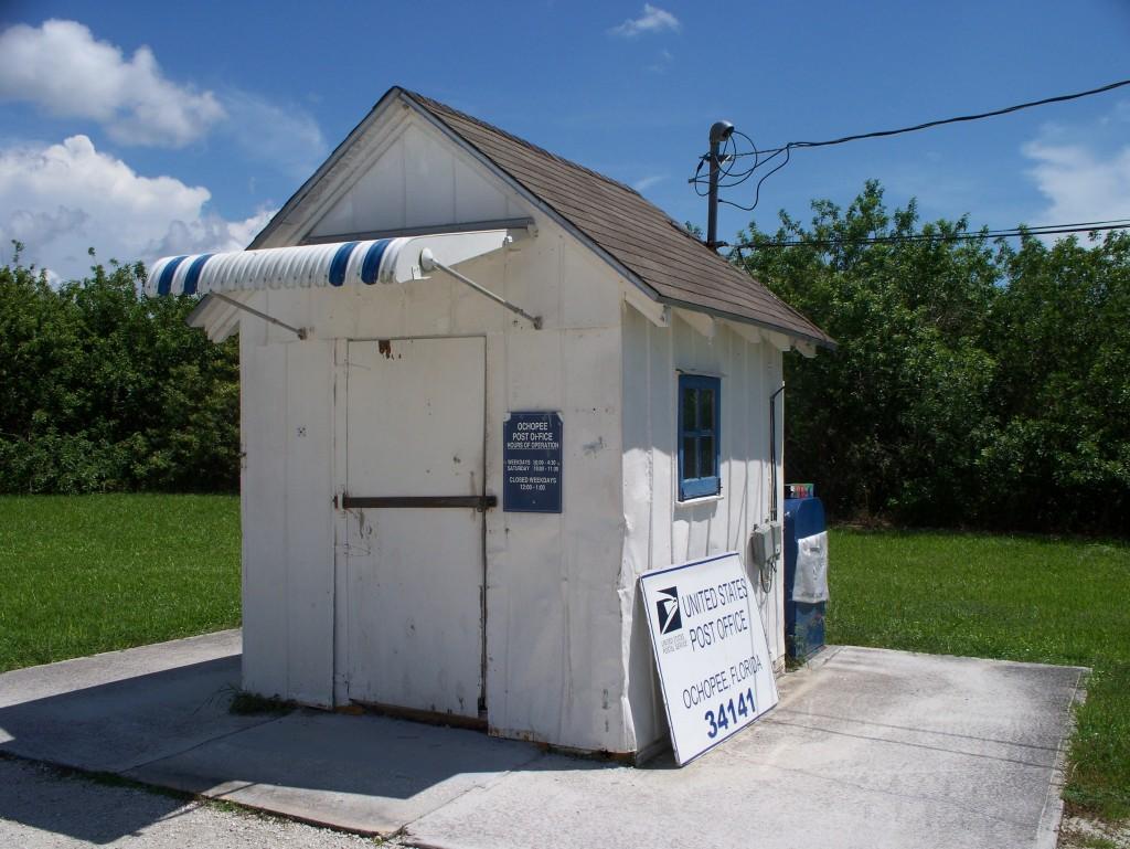 tiny-post-office-ochopee-florida-2