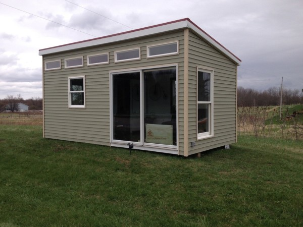 200 sq ft modern tiny house for Small house plans michigan