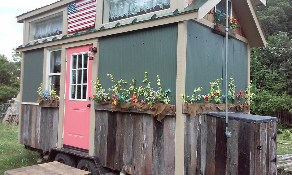 20k american freedom off grid tiny house for sale - Around america in a tiny house ...