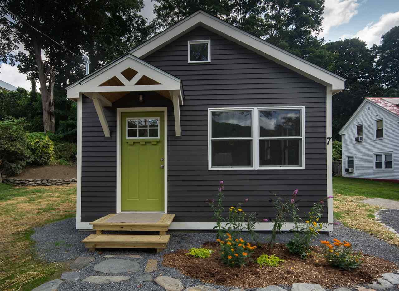 Tiny house with a basement for sale in rockingham vt for Building a little house