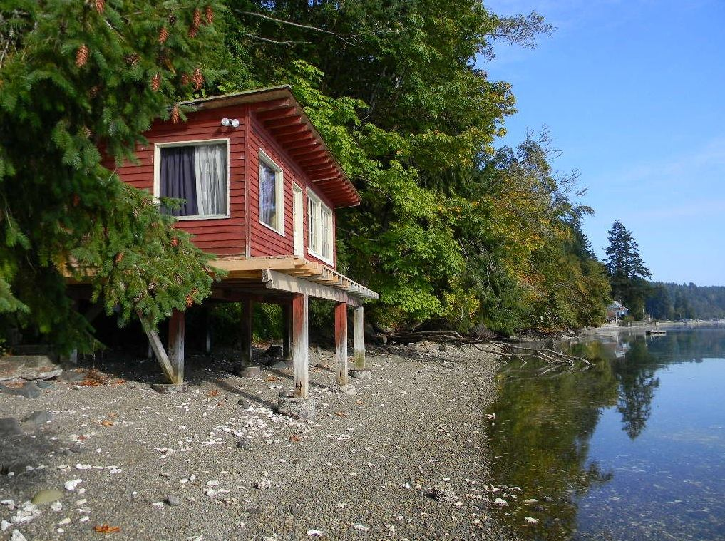 288 Sq Ft Waterfront Tiny Cabin With Lot For Sale