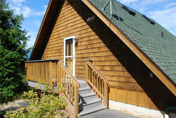 3-Car Garage Cabin For sale 006