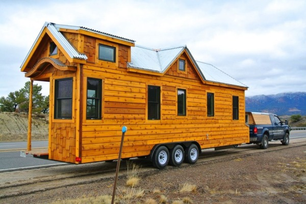 3039 Tiny House on Wheels by Rocky