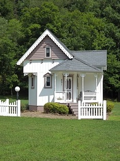 452 Sq Ft Tiny Victorian Cottage