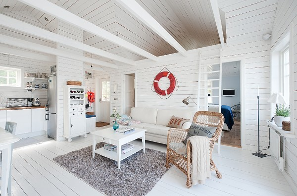 538-sq-ft-cottage-in-sweden-kalvsvik-lake-house-006
