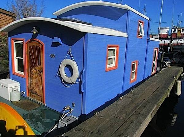 550 sq ft housebarge houseboat in seattle for sale 001   550 Sq. Ft. Houseboat in Seattle for sale (sold)