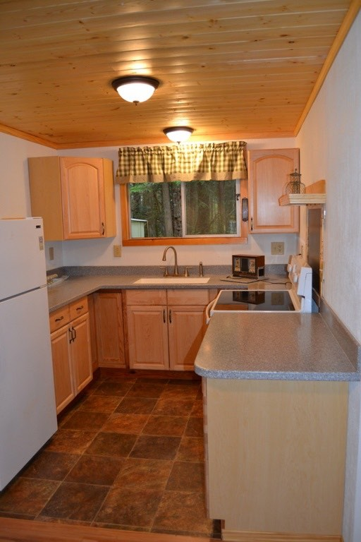 580 Sq. Ft. Tiny Cabin For Sale in Hoodsport, WA 005