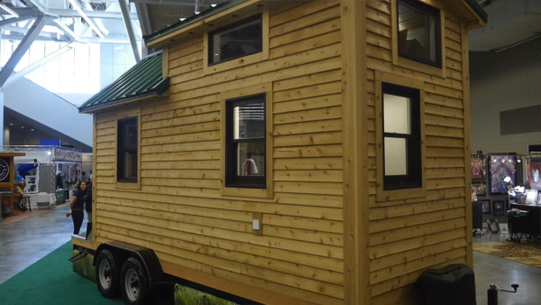 84-lumbers-new-tiny-house-on-wheels-003