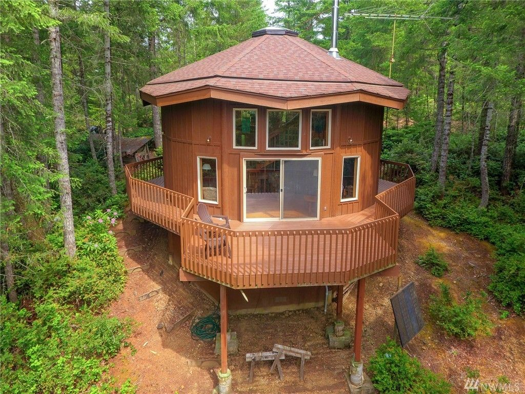 900 Sq Ft Round Cabin On Acres In Tahuya