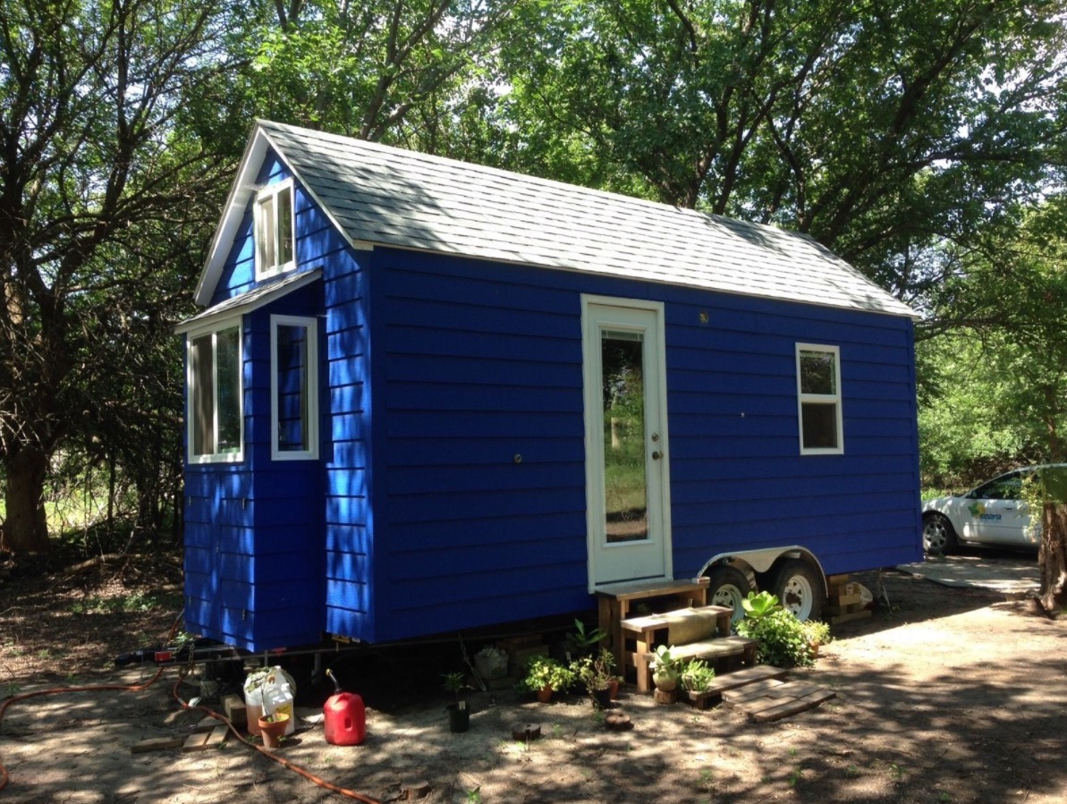Tiny blue house on wheels for sale in hesston kansas Tiny little houses on wheels