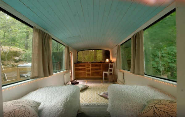 Bus-Converted-Cabin-Rooftop-Deck-012