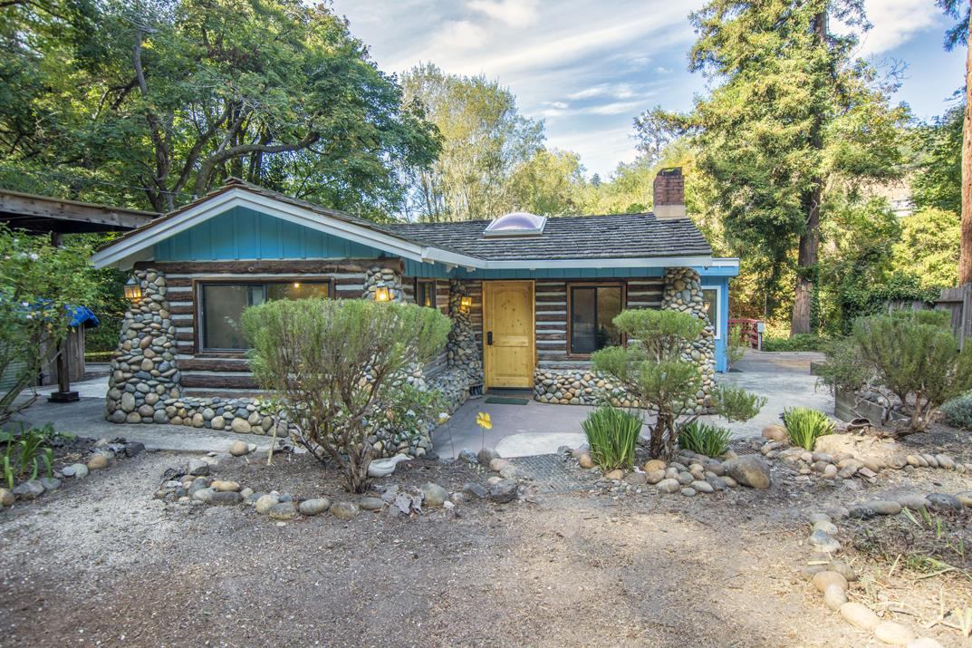 Beautiful Creek Side Log Cabin In Santa Cruz