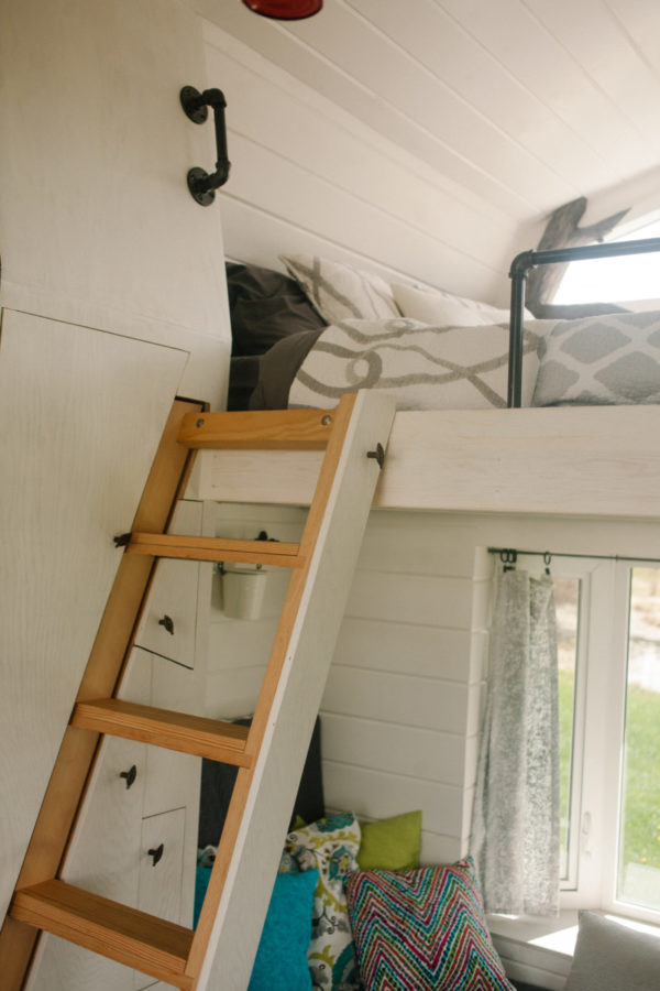 Esk'et Spyu7 Camping Cabin Tiny House on Wheels