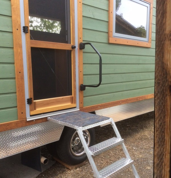 Ford-Cargo-House-Truck-Tiny-House-RVs-0016
