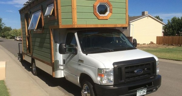 Ford-Cargo-House-Truck-Tiny-House-RVs-002