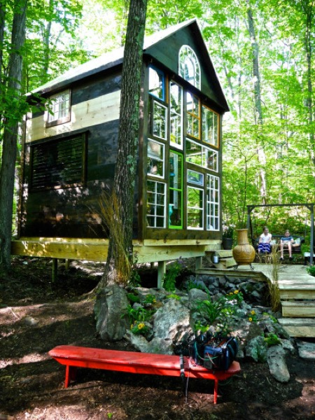 Funky-140-Sq-Ft-Off-Grid-Cabin-006