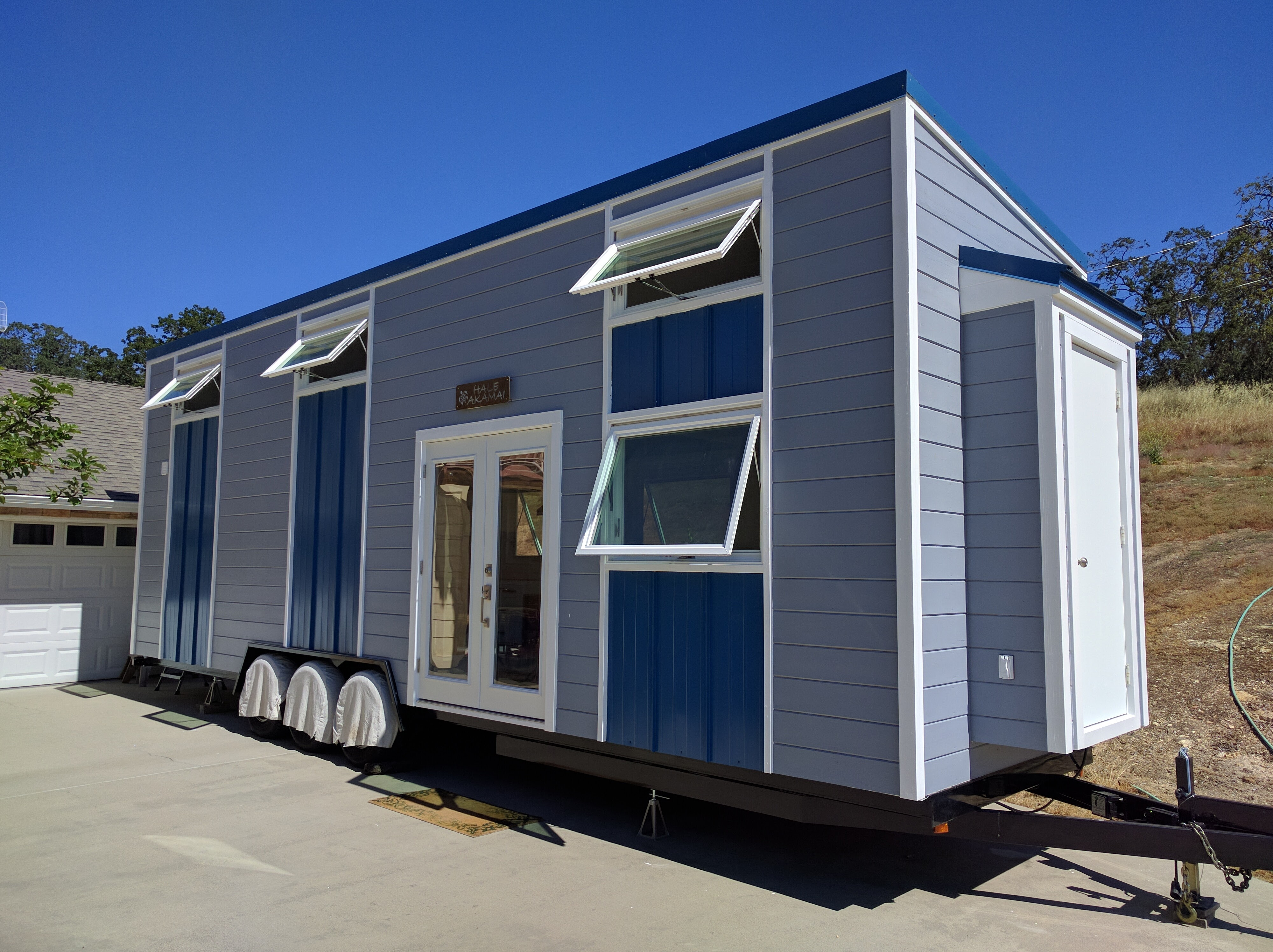 Father and son build modern tiny house Modern tiny homes on wheels