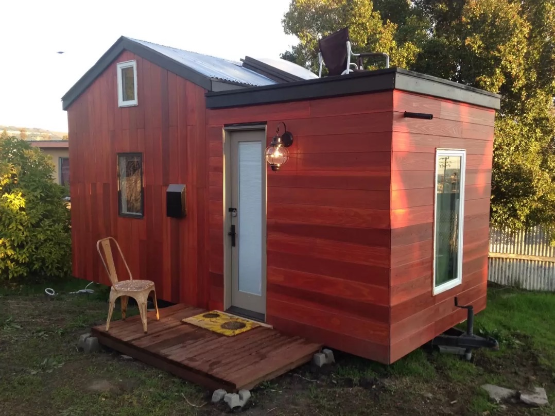 Modern tiny house on wheels in oakland california Tiny little houses on wheels