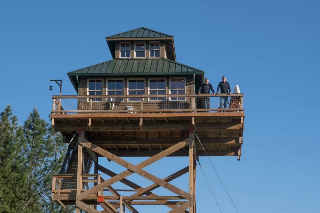 Off grid lookout tower cabin in tiller for Tower house for sale