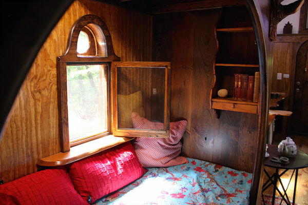 old-time-caravan-tiny-house-009