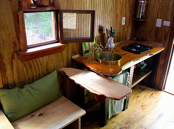old-time-caravan-tiny-house-017