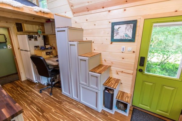 Portable Pioneer Tiny House Photo by Aaron Lingenfielter via TinyHouseTalk-com 005