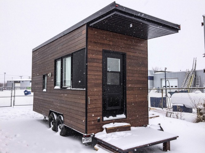 Sequoia tiny house on wheels by minimaliste for Minimalist house quebec