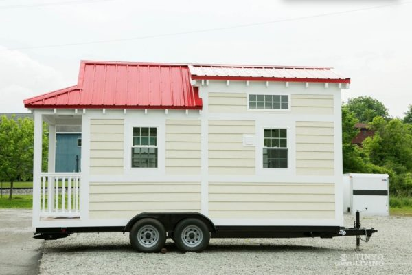 Shonsie Tiny House in Red 0018