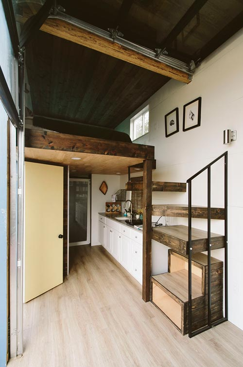 Surf shack tiny house by alex wyndham for Shack homes