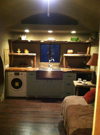 the-hobbits-two-shire-worthy-incredible-tiny-homes-004