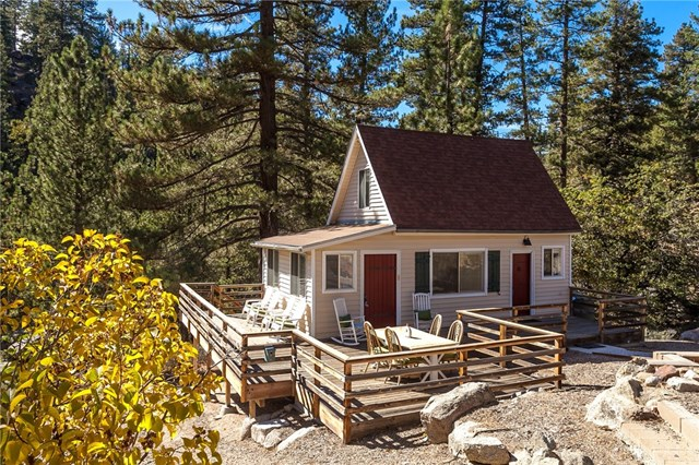 Tiny Big Bear Cottage On 2 Acres For Sale