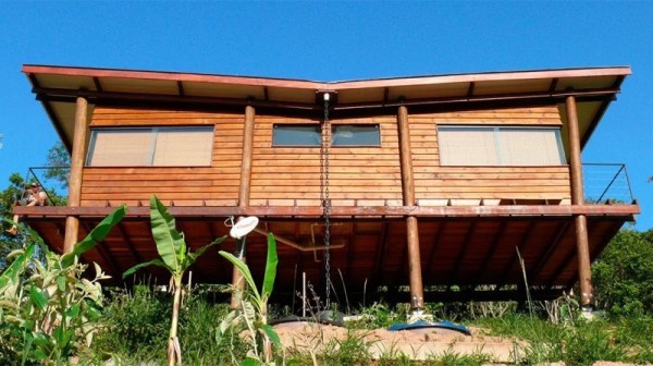 Tiny Cabin on Stilts in Brazil called Casa Em Guararema by Cabana Arquitetos 0012
