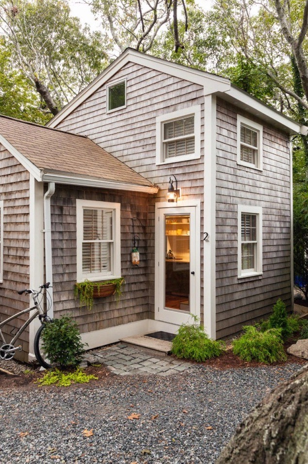 350 sq ft tiny cottage in cape cod for Tiny house cottage style