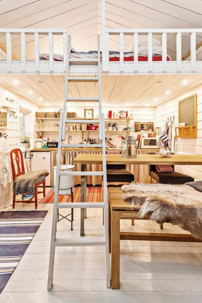 Tiny-Farm-Cottage-Loft-002