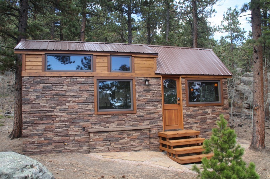 Tiny stone cottage on wheels - Small houses wheels home getaway ...