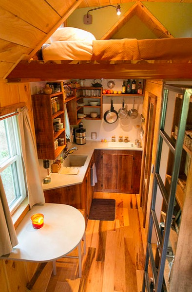 Travis And Brittany 39 S 204 Sq Ft Tiny House