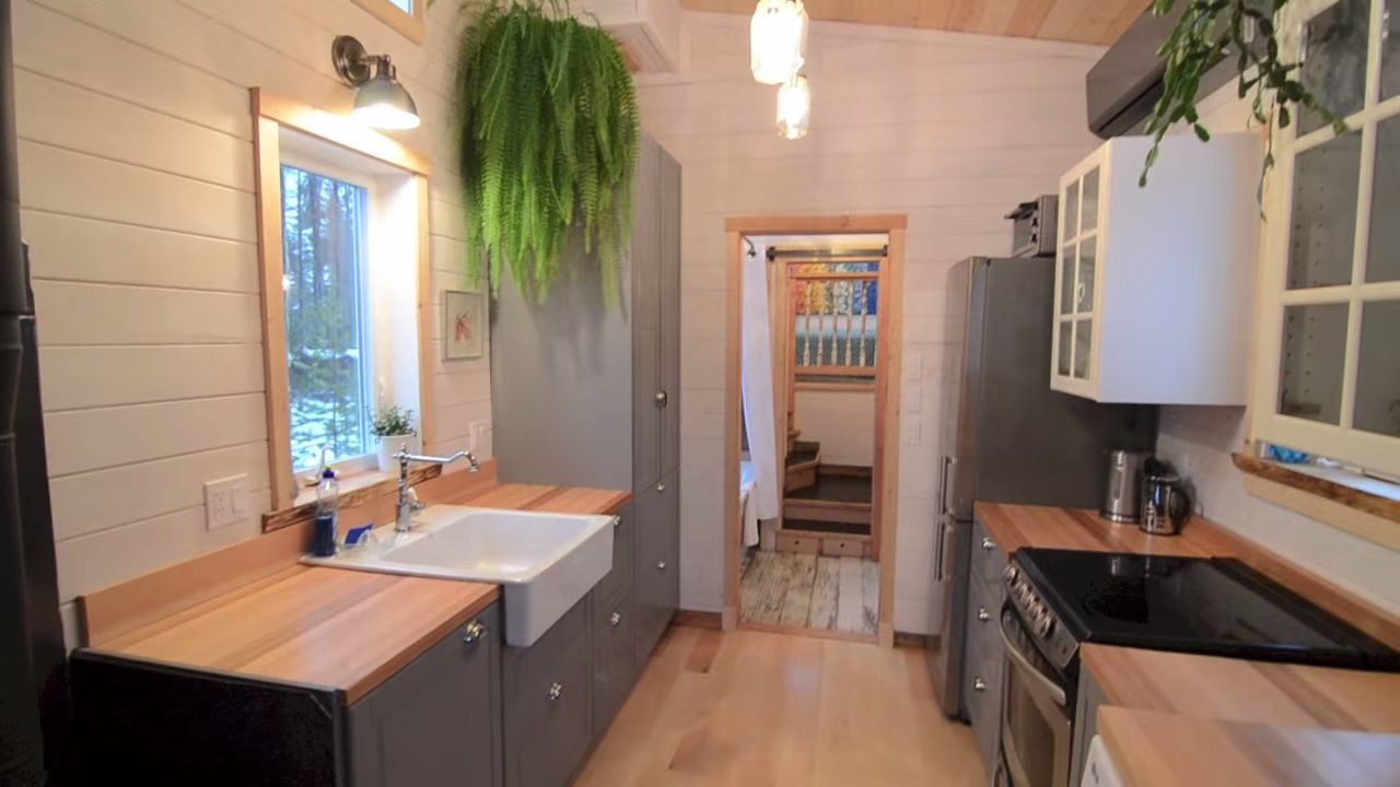 Winter wonderland v house by nelson tiny houses for Two bedroom tiny home