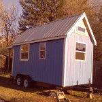 Woman-Builds-Her-Own-Tiny-House-Wheels-013