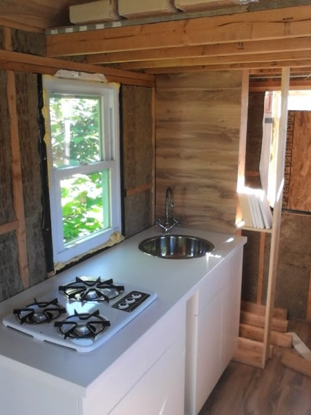 Woman-Builds-Her-Own-Tiny-House-Wheels-017