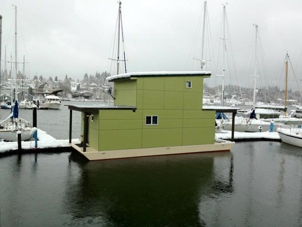 affordable small floating home 6   Small Houseboat is 550 Square Feet of Bliss: Would You Live Here?