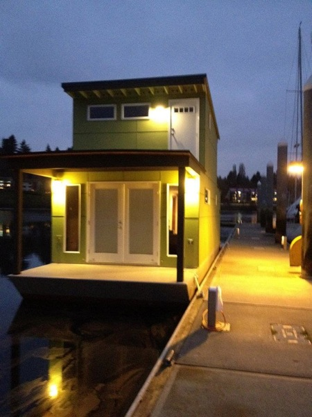 affordable small floating home 7   Small Houseboat is 550 Square Feet of Bliss: Would You Live Here?