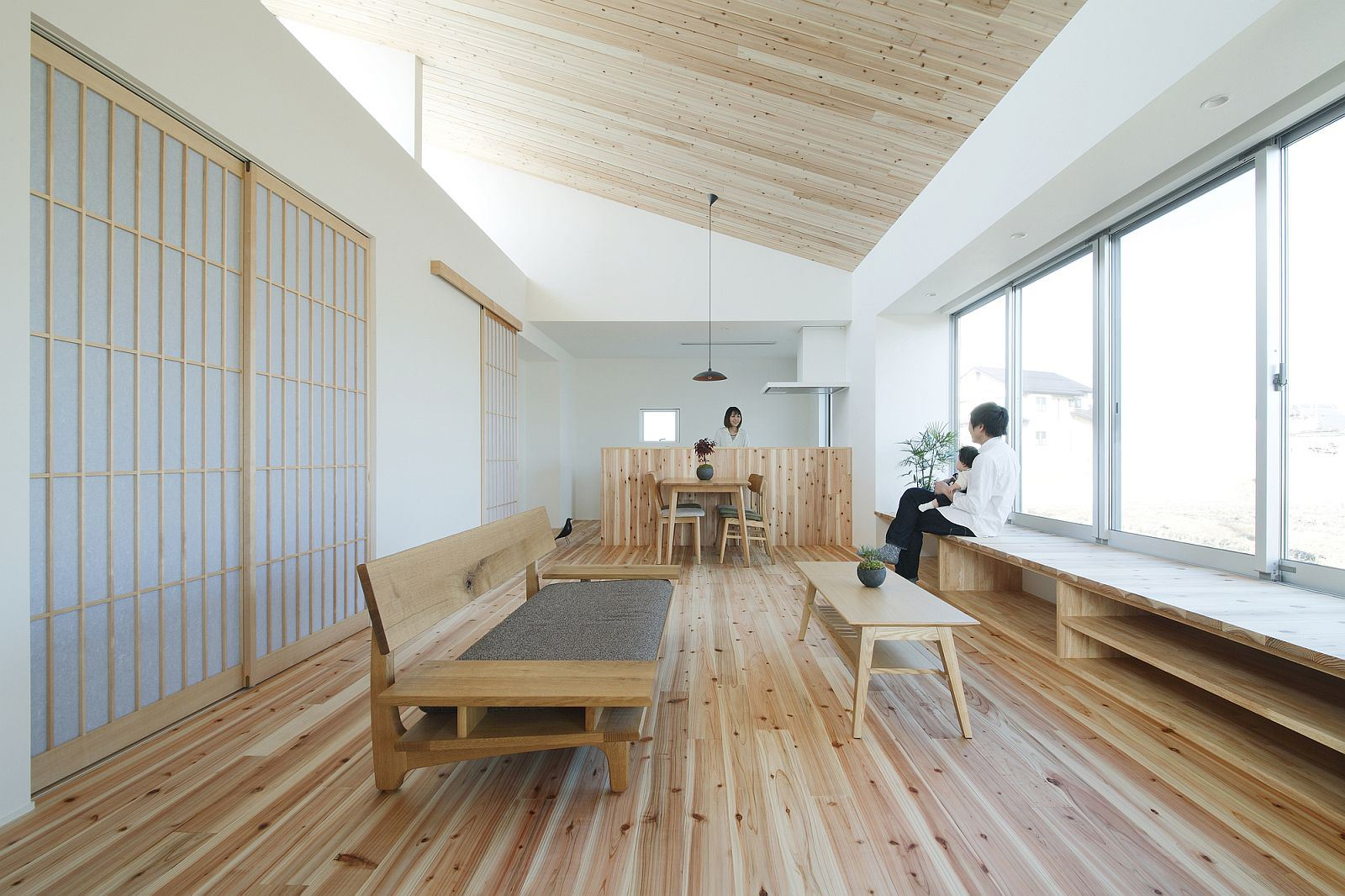 Minimalist 778 sq ft japanese family small house for Japanese office interior design