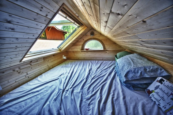 Candice's Tiny Tack House: Interior Photos: Modified Tumbleweed Fencl: Photos by Chris Tack (7)
