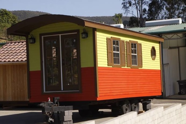 caravan-tiny-house-so-cal-cottages-0014