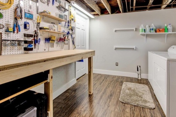 columbus-ohio-cottage-for-sale-with-garage-and-finished-basement-0017