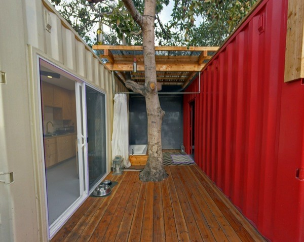 Modern shipping container house in venice ca - Container homes california ...