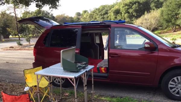 couple-convert-minivan-into-DIY-camper-002